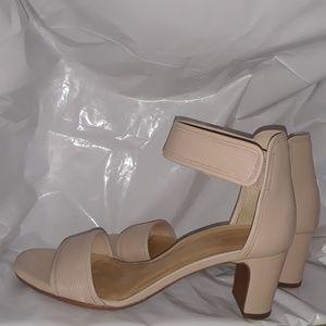 Nurture by Lamaze, tan open toe sandals, 8-1/2